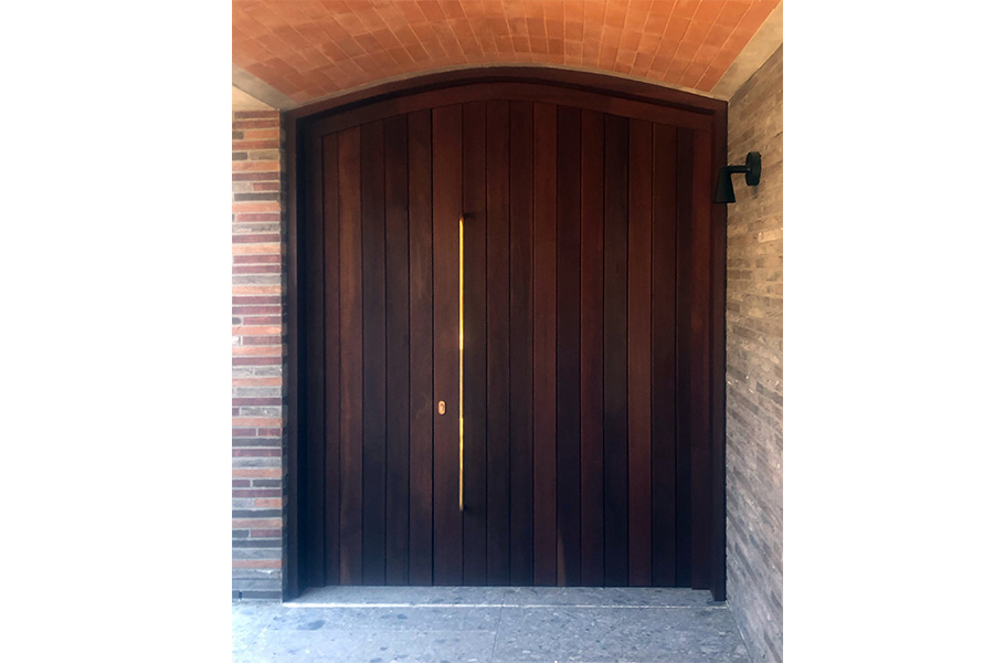 Pivot Entrance Doors - or not?