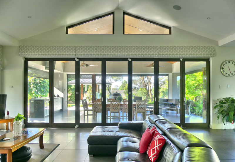 Bifold-doors-closed