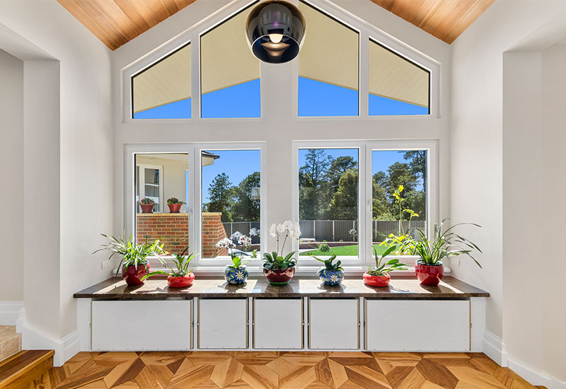 Picture-windows-shaped-with-tilt-and-turn-windows